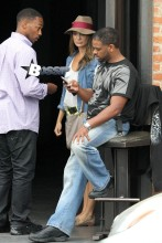 """""""Pain & Gain"""" star Anthony Mackie steps out in Venice with a mystery woman, where they went shopping together. The pair hung out outside for a moment where they chatted with a man and then made their way in the store."""