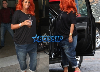 Splashnews Pregnant Kelis Soho House drop crotch jeans red hair red plastic clogs