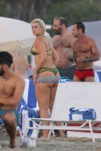 SplashNews YesJulz Green Thong Bikini Big Butt