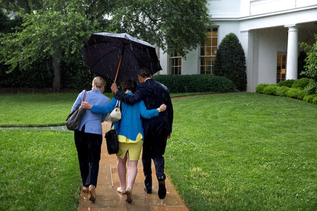 President Barack Obama 13 umbrella manners