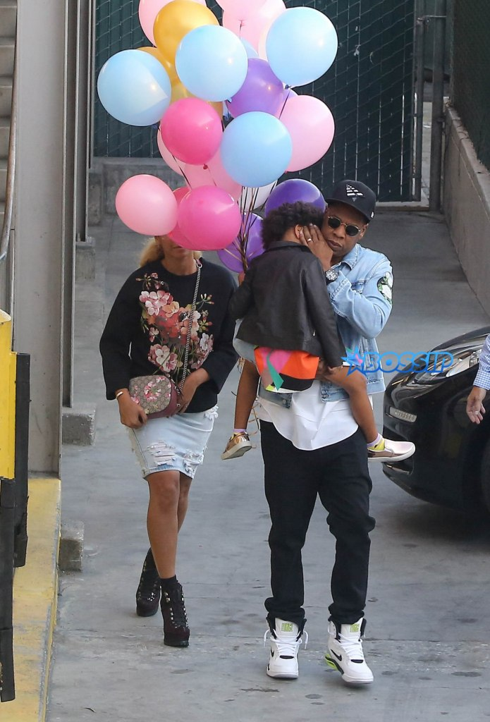 Century City, CA - Century City, CA - Beyonce, Jay Z, Kelly Rowland, Tim Witherspoon, Chris Ivery and Ellen Pompeo were among the stars seen at a kid's party at Giggles at the Century City mall. Beyonce exited from a different entrance and Jay Z was holding their child Blue Ivy while she napped. Blue wanted some balloons, so the two parents could not resist their sweet little girl! Kelly Rowland and husband Tim were seen talking to good friend Ellen Pompeo, actress, while waiting for their cars at the valet. AKM-GSI 27 FEBRUARY 2016 To License These Photos, Please Contact : Maria Buda (917) 242-1505 mbuda@akmgsi.com or Steve Ginsburg (310) 505-8447 (323) 423-9397 steve@akmgsi.com sales@akmgsi.com