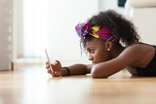 natural hair cell phone black girl