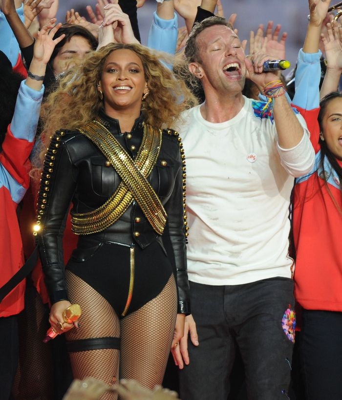 Beyonce, Chris Martin of Coldplay, and Bruno Mars perform during the Pepsi Halftime show at Super Bowl 50 at Levi's Stadium on February 7, 2016 in Santa Clara, California. Pictured: Beyonce,Chris Martin Ref: SPL1222747 070216 Picture by: PG / Splash News Splash News and Pictures Los Angeles: 310-821-2666 New York: 212-619-2666 London: 870-934-2666 photodesk@splashnews.com