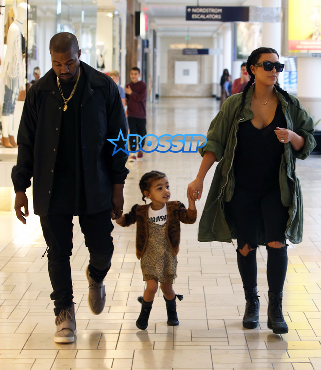 FameFlynetPictures Kim Kardashian West North West Kanye West Build A Bear Store Westfield Mall Culver City Birthday party