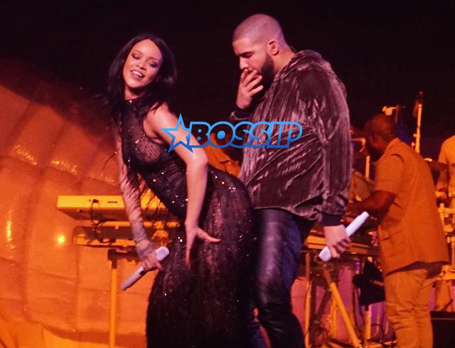 Rihanna and Drake Put on Romantic Display at Anti World Tour in Miami