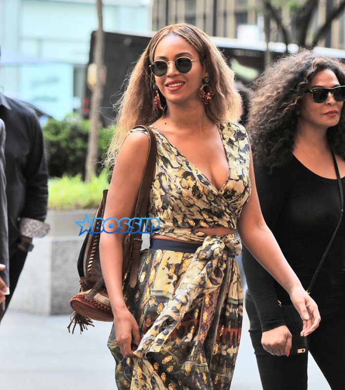 SplashNews Beyonce visits midtown office with Tina knowles before date night with Jay Z