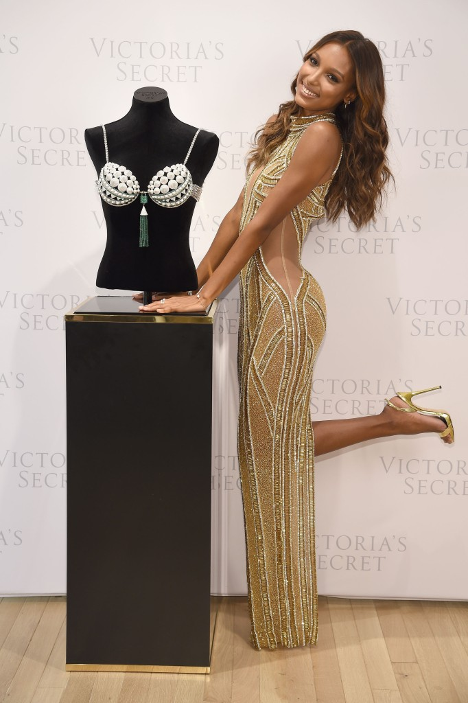 NEW YORK, NY - OCTOBER 26: Victoria's Secret Angel Jasmine Tookes reveals the $3 Million 2016 Bright Night Fantasy Bra at Victoria's Secret, Fifth Ave on October 26, 2016 in New York City. (Photo by Dimitrios Kambouris/Getty Images for Victoria's Secret)