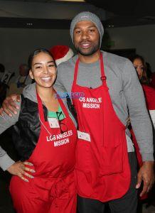 Gloria Govan Derek Fisher Los Angeles Mission Christmas Celebration For the Homeless WENN
