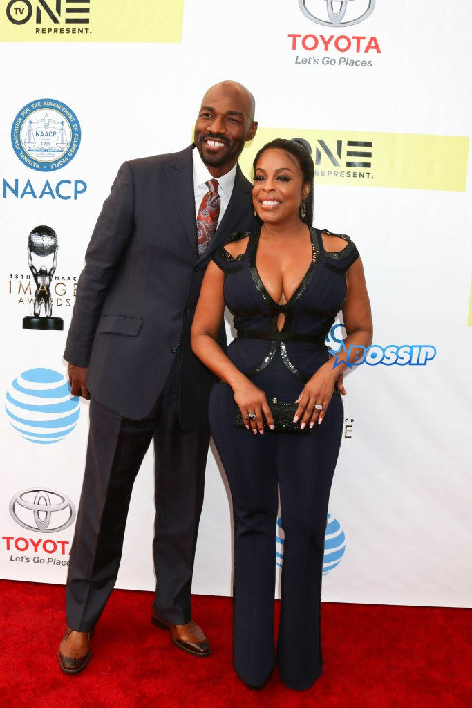 Celebrities arrive at the 48th NAACP Image Awards held at the Pasadena Civic Auditorium in Pasadena, California, USA. Pictured: Niecy Nash and Jay Tucker Ref: SPL1440666 110217 Picture by: @ParisaMichelle / Splash News Splash News and Pictures Los Angeles:310-821-2666 New York:212-619-2666 London:870-934-2666 photodesk@splashnews.com