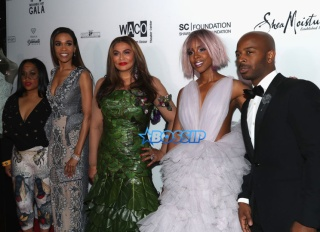 Michelle Williams, Tina Knowles, Kelly Rowland and Tim Witherspoon attend the Wearable Art Gala at California African American Museum on April 29, 2017 in Los Angeles, California. (Photo by Frederick M. Brown/Getty Images)