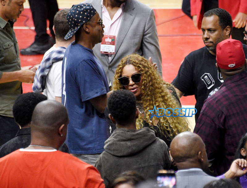 "No ID Jay Z Beyonce greets songwriter/record producer Kenny ""Babyface"" Edmonds (L) and his son Dylan Michael Edmonds with Jay Z looking on after attend Game Seven of the Western Conference Quarterfinals between the Los Angeles Clippers and the Utah Jazz at Staples Center on April 30, 2017 in Los Angeles, California (Photo by Kevork Djansezian)"