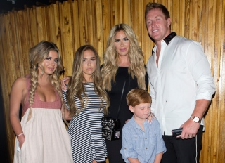 Kim Zolciak and her family were seen leaving dinner at 'The Nice Guy' bar/restaurant in West Hollywood, CA