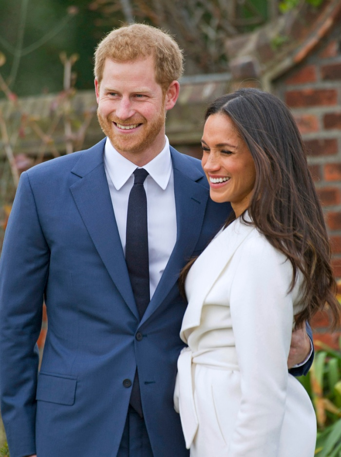 27.11.2017; London, England: PRINCE HARRY AND MEGHAN MARKLE pose in the Sunken Garden at Kensington Palace, after the official confirmation of their engagement The couple will wed at St. George's Chapel, Windsor Castle in May 2018