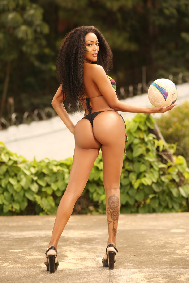 Talk about the beautiful game - or booty-ful game. The sexy candidates for this year's Miss Butt Showed off Their Brazilian 'plays nice' skills by taking part in a very special version of 'keepie uppies' - using just Their butts to bounce the ball up and down. The winner was Cassia Almeida, with an astonishing 8 'butties keepie'. Transgender competitor Paula Oliveira second cam. This year's competition celebrates the World Cup and diversity.