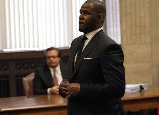 Entertainment-US-music-assault-RKelly-crime-children-celebrity
