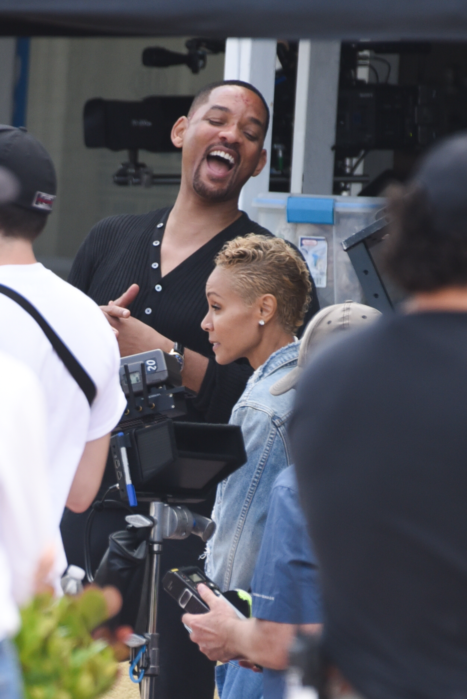 Will Smith Gets A Visit From Jada Pinkett Smith On Set Of Bad Boys 3 In Miami