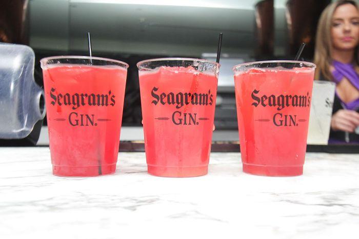 Seagram's Gin Presents