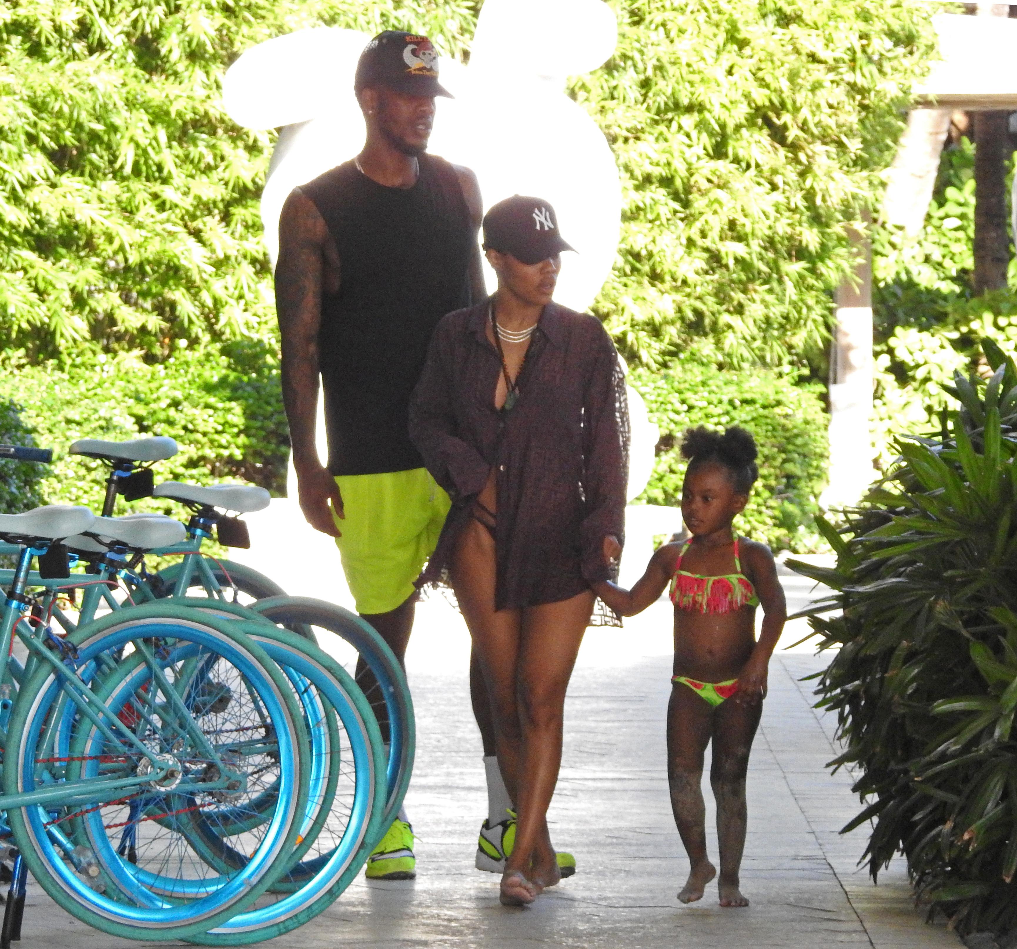 Teyana Taylor Iman Shumpert and daughter Junie in Miami