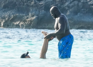 Shaquille O'Neal goes swimming in Formentera, Spain with new girlfriend