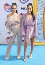 Bella Twins Fox's Teen Choice Awards