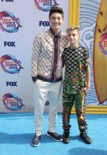 Asher and Avi Angel Fox's Teen Choice Awards