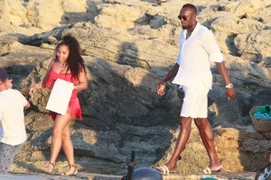 Usain Bolt and girlfriend Kasi J. Bennett vacation in Spain