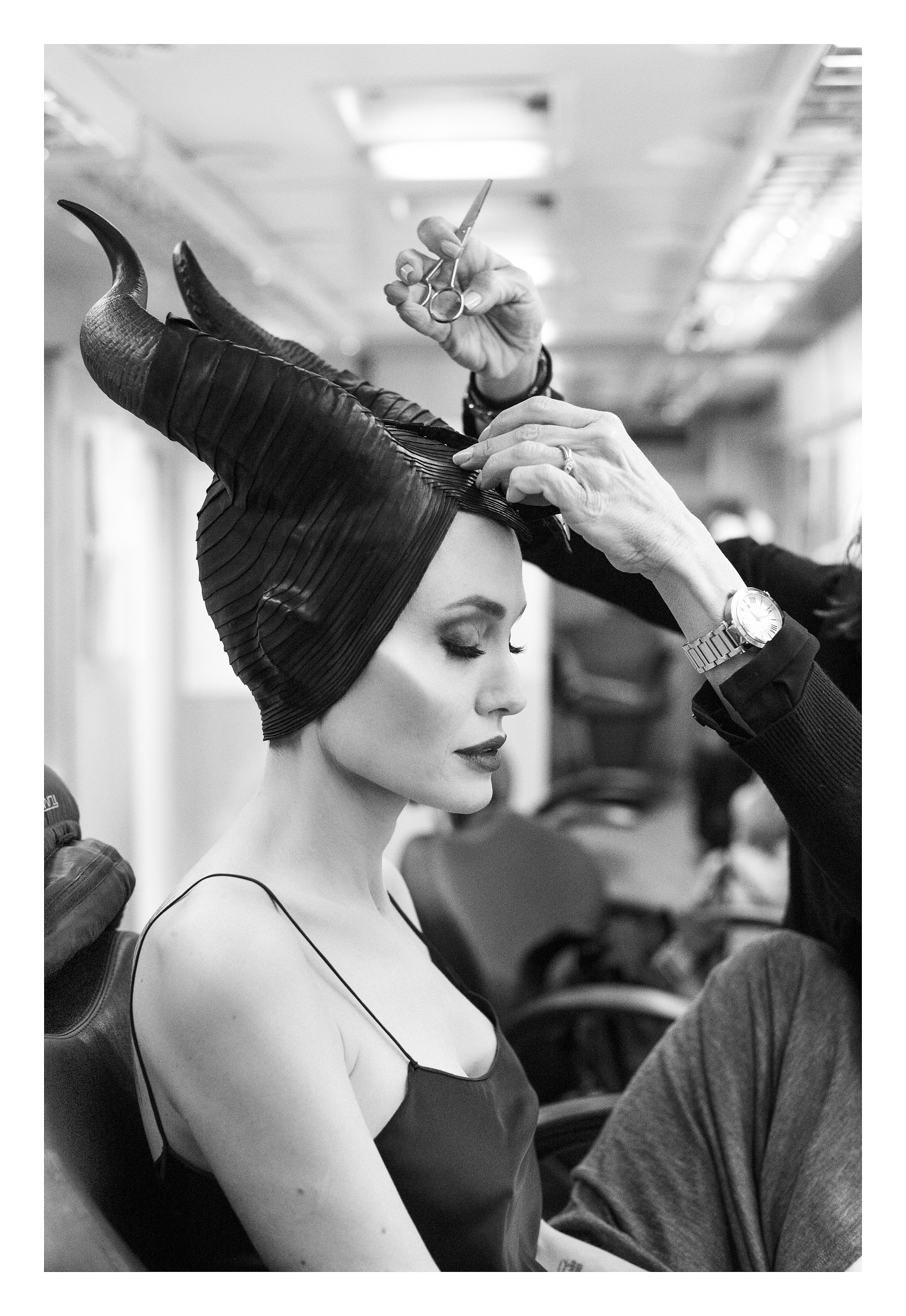 Angelina Jolie gets makeup for Maleficent bts Photos