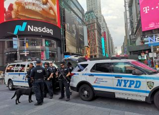 New York - Times Square - Security
