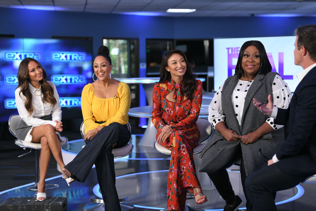 """Ladies Of The Real And Tamera Mowry-Housley Visit """"Extra"""""""