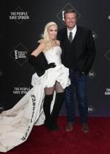 Gwen Stefani Blake Shelton 45th Annual Peoples Choice Awards in Los Angeles