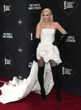 Gwen Stefani 45th Annual Peoples Choice Awards in Los Angeles