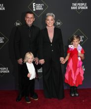 Pink and Carey Hart with kids Willow and Jameson 45th Annual Peoples Choice Awards in Los Angeles