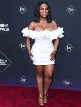 Kandi Burruss 45th Annual Peoples Choice Awards in Los Angeles