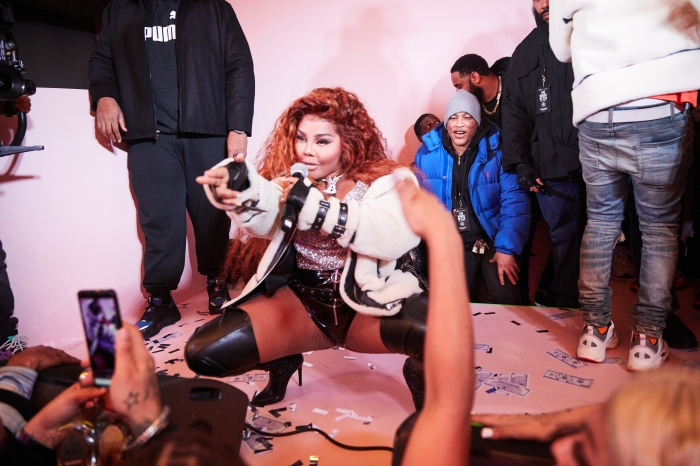 Lil Kim Surprise Moose knuckles Performance