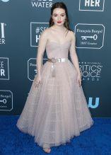 Kaitlyn Dever Critics Choice Awards