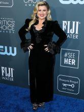 Kelly Clarkson Critics Choice Awards