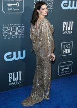 Anne Hathaway Critics Choice Awards