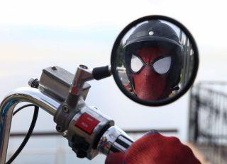 Turkish man's Spider-Man performance in Turkey's Antalya