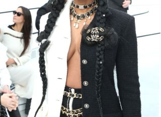 Chanel : Front Row - Paris Fashion Week Womenswear Fall/Winter 2020/2021