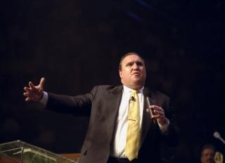 Dr. Rodney Howard-Browne speaks at Good News New York gospel