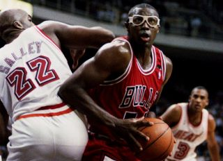 BNK-BULLS-HEAT NBA ACTION