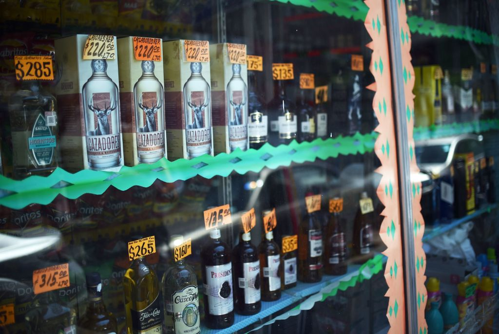 MEXICO-HEALTH-VIRUS-BEER