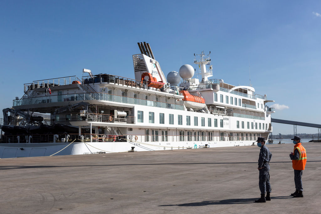 Crew of Stranded Cruise Finally Disembark in Montevideo