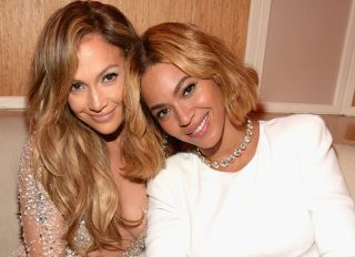 Beyoncè & J Lo. At The Vanity Fair Oscar Party