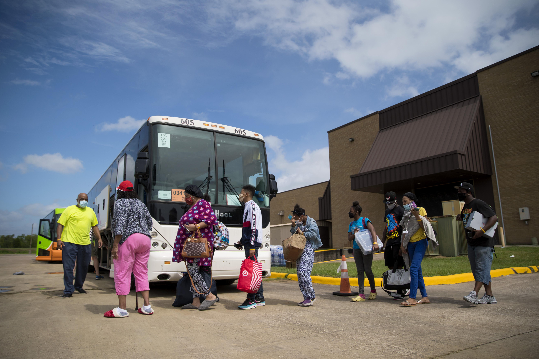 residents leaving before hurricane laura