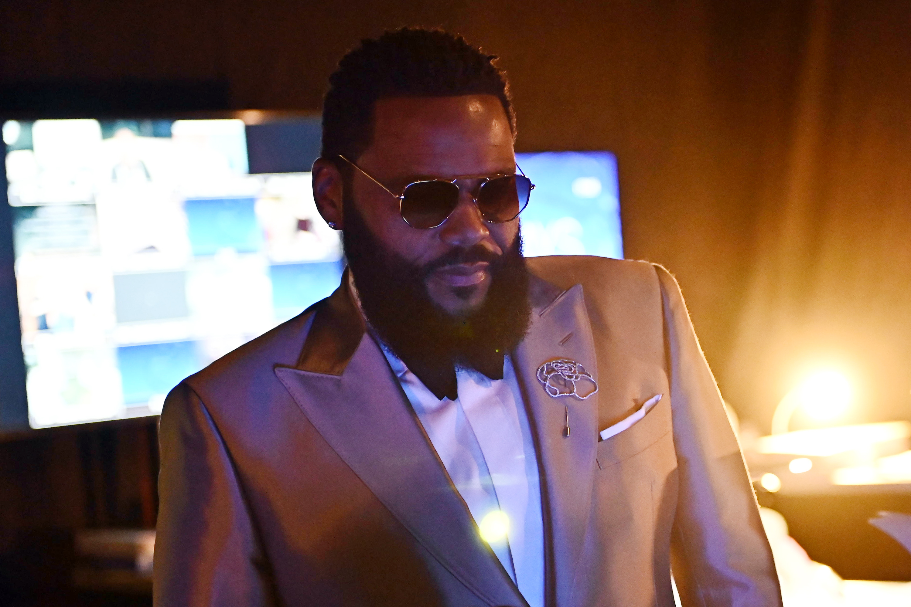 Anthony Anderson Emmys Backstage