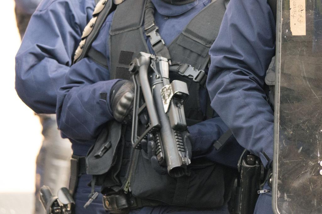 """Policier lors de la manifestation des """"Gilets jaunes"""" acte 4 - Paris"""