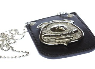 Undercover detective badge for concealment