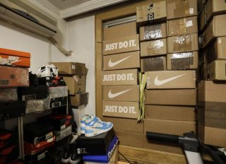 Chinas Sneakerheads Chase 6,600% Returns Flipping Air Jordans