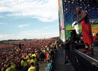 DMX performs at Woodstock '99 in Saugerties, New York